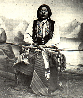 the stories and myths surrounding the kiowa indians The kiowa tribe learns quickly, and befriends a strange and wild creature named tai-me which becomes the main focus of their sun dance in fact, tai-me is often considered the god of the sun dance.